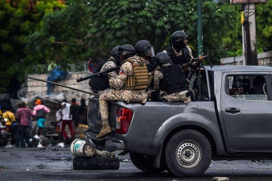 Tirs sans aménagement sur des manifestants: «La police doit obéir à l'autorité de la Constitution et de la loi non aux ordres illégaux» clame Me Sonet Saint-Louis