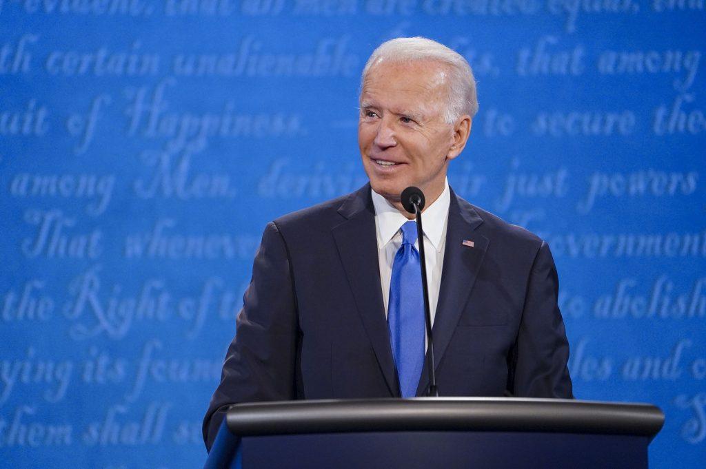 """""""Tous les adultes seront admissibles à un vaccin contre la coivid-19  d'ici 1er mai"""" a confié Joe Biden"""