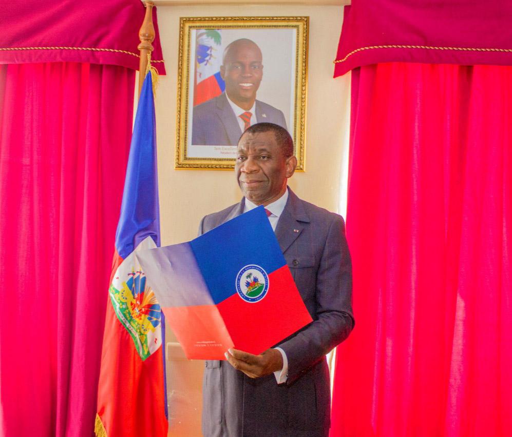 Haiti-Diplomatie: L'ambassadeur haitien au chili, Monesty Junior Fanfi,l accusé d'avoir violé une menagère
