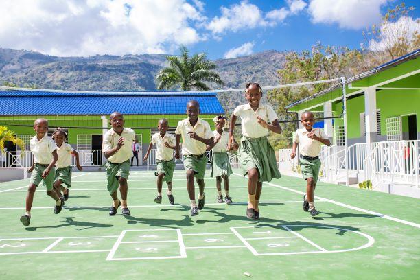 Haiti-Éducation: La fondation digicel inaugure trois écoles à Ravine Sable, à Lascahobas et à l'Artibonite