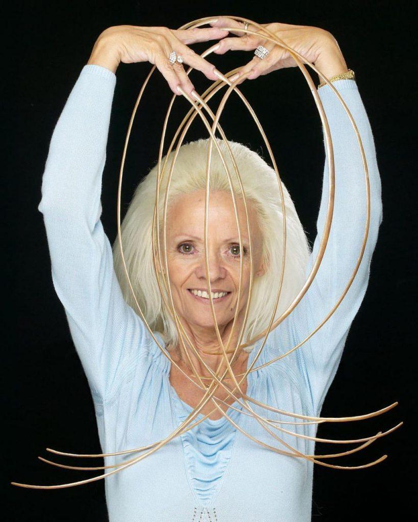 Guinness World Records: Elle n'a pas coupé ses ongles depuis 30 ans