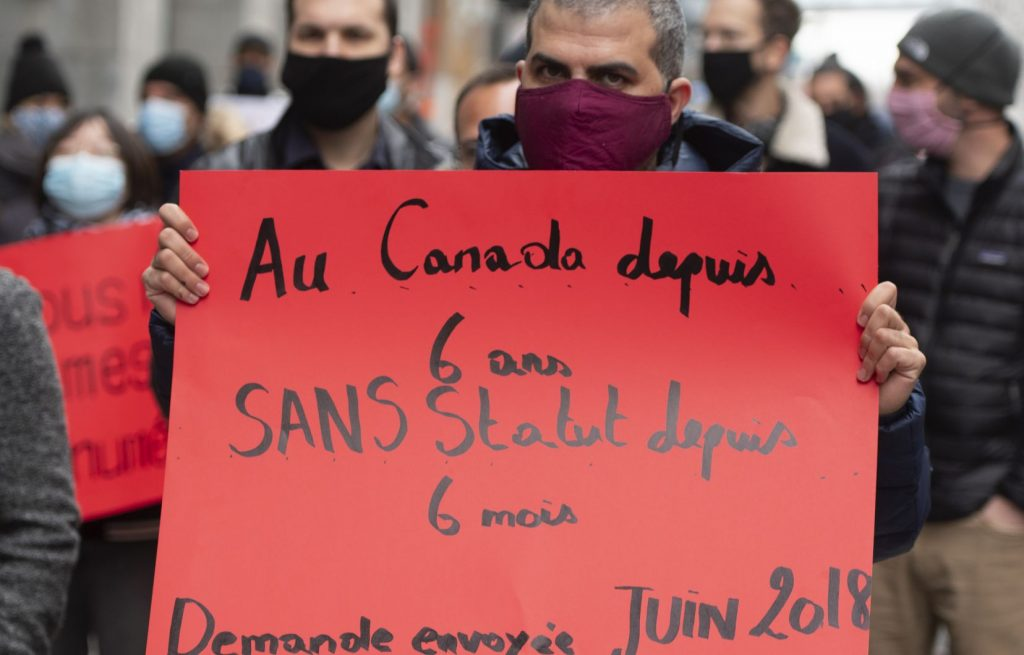 Les délais de traitement de residence permanente au Québec inquiètent les demandeurs